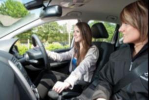 Формируется группа воскресного дня водителей категории «В». Теория и практика – по выходным дням.